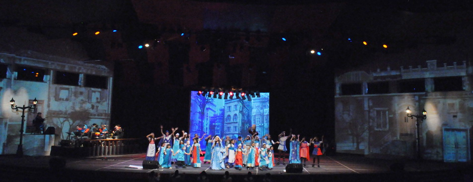 Más de 40 niños en escena conformaron el elenco del musical #Canto+Juego+Coexisto