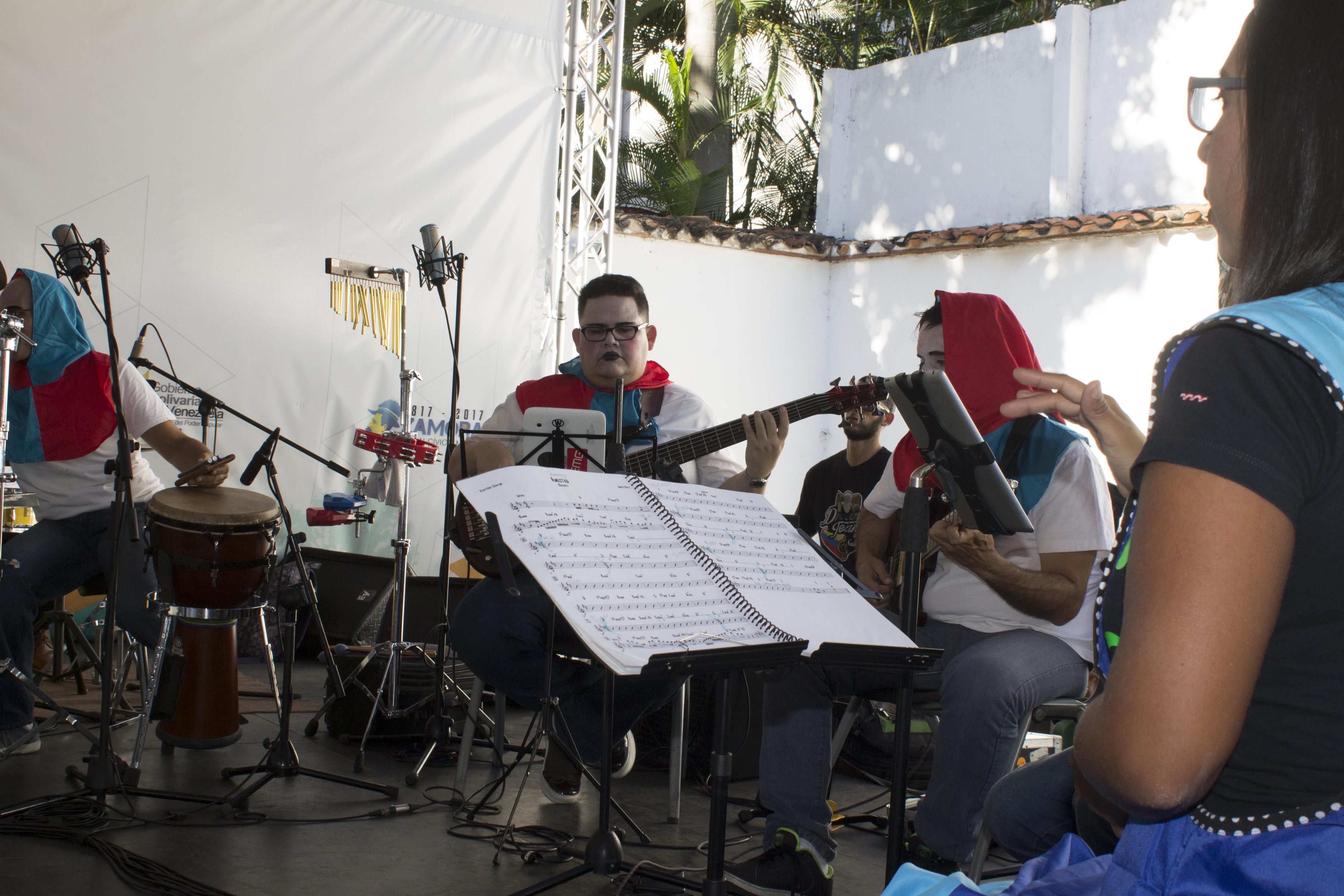 La calidad de ejecución de los músicos aumentó el brillo del evento
