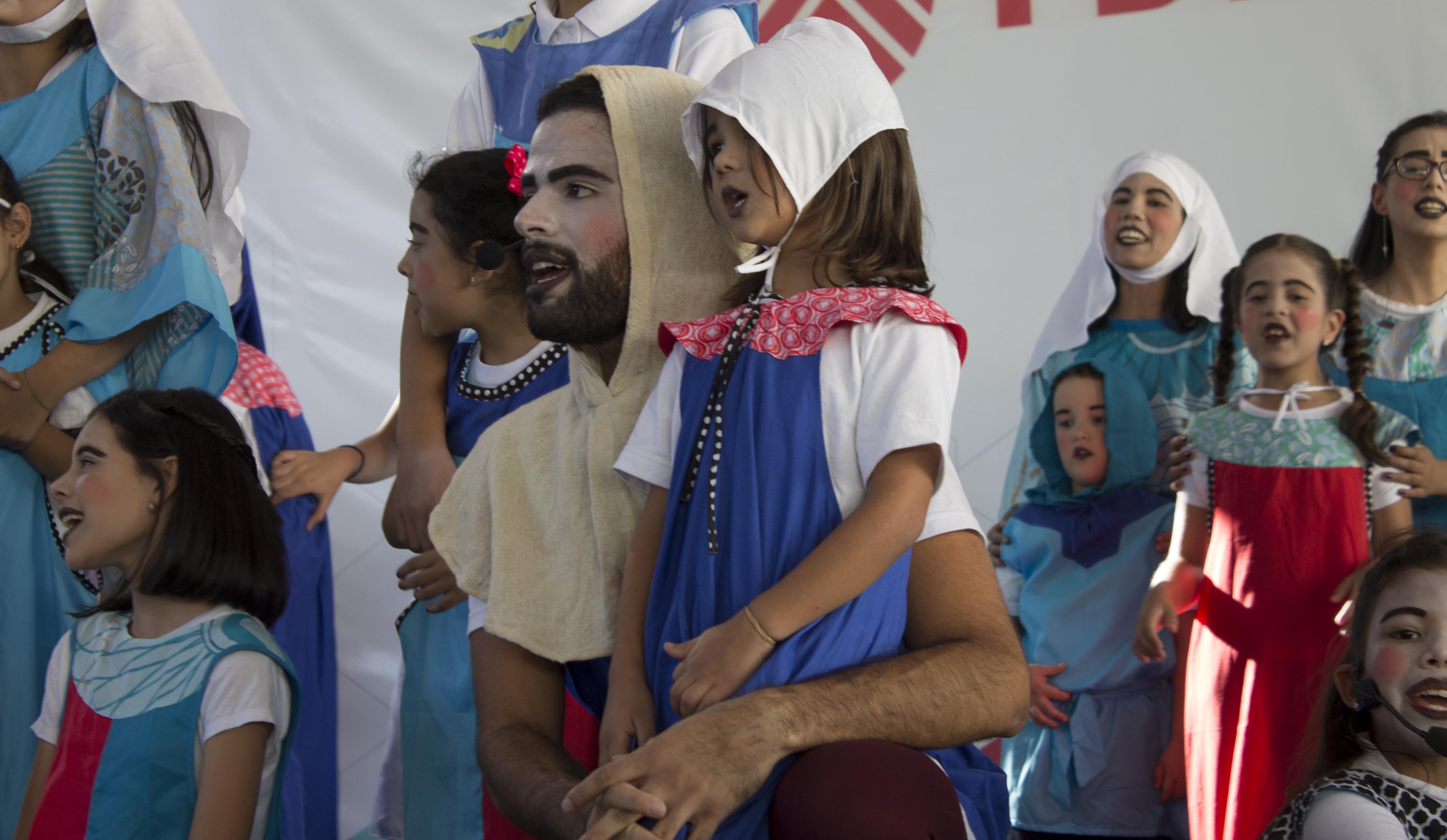 """Grandes y pequeños  del Coro Infantil y Juvenil de la UCV y Producciones """"A Voces"""""""